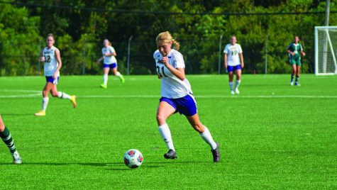 Women's soccer still perfect 10-0